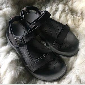 TEVA men 9/ w 11 sandals